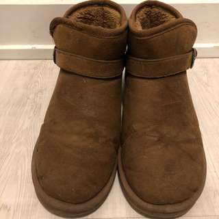 Brown winter boots  (39)