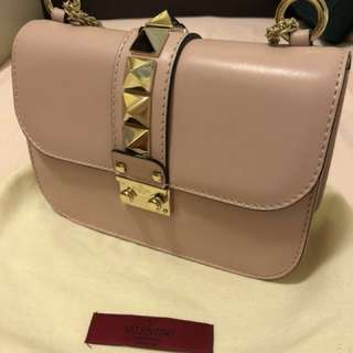 🈹Sale🔥Valentino-Stud lock small shoulder bag in Pink(九成新)