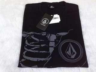T-Shirt Volcom ( Warna Hitam )