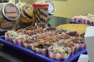 Cupcake / Brownies