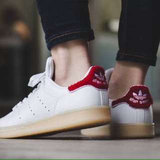 Selling my adidas stan smith l, original price 4k RF: wrong size