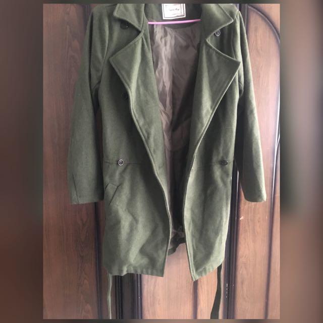 軍綠綁帶大衣