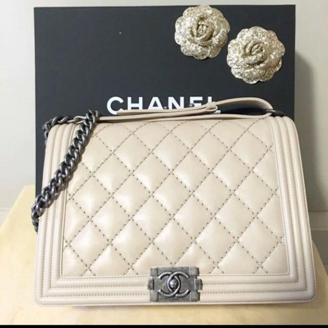 16f77908419e 💯 % Authentic Chanel Boy Handbag (Large), Pre Loved, Luxury, Bags ...