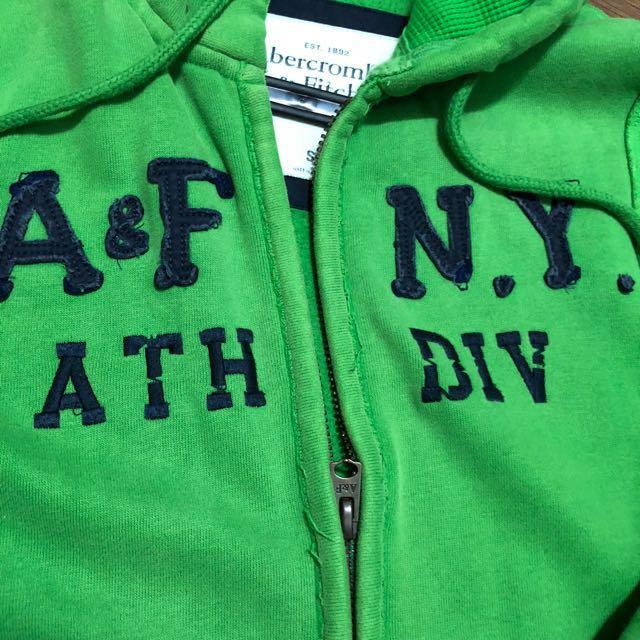 A&F綠色刷毛破壞版外套