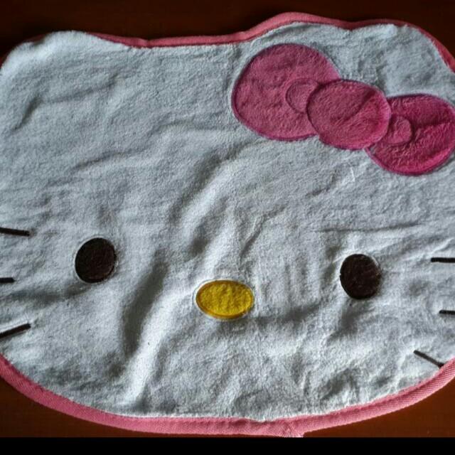 Alas Duduk Hello Kitty / Karpet Hello Kitty