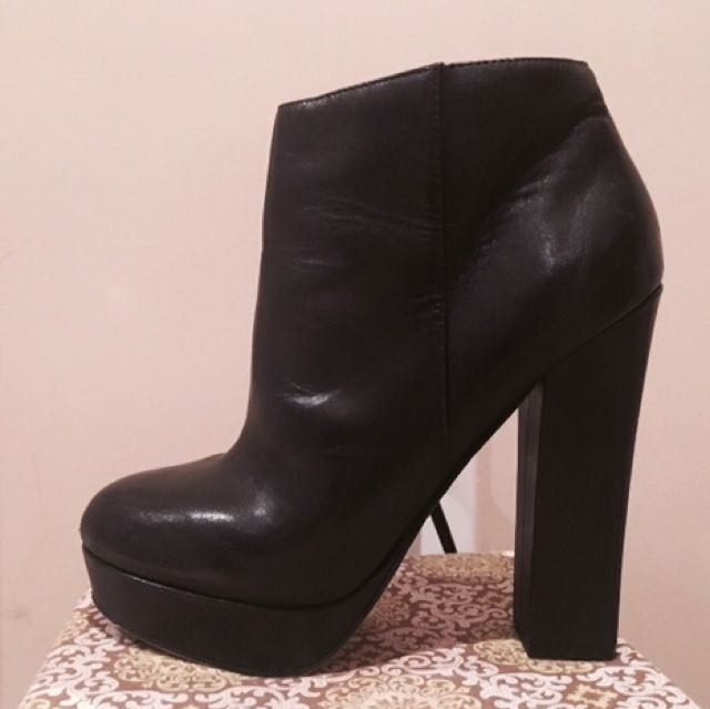 Aldo Leather Booties (size 8)