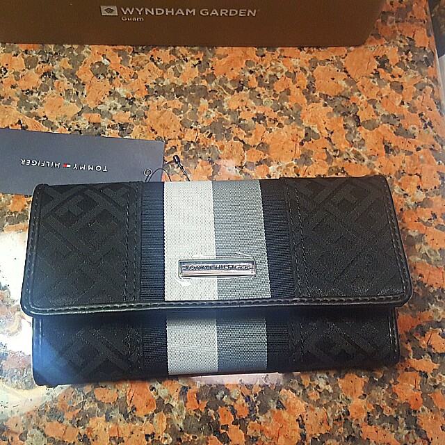 💯Auth Tommy Hilfiger Wallet