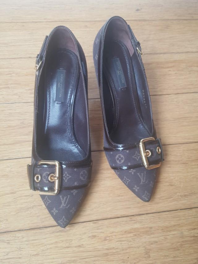 Authentic Louis Vuitton heels Size 36.5