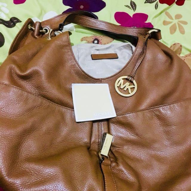 Authentic Michael Kors hobo bag, price still negotiable