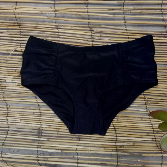 Free Shipping Bikini Bottoms Size 10