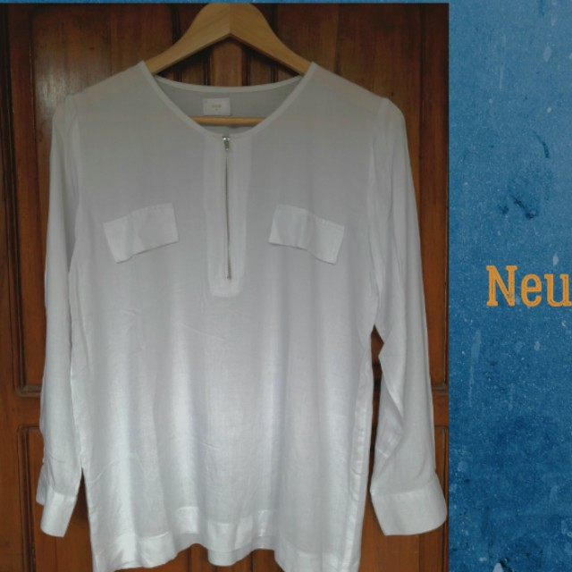 Blouse with zip