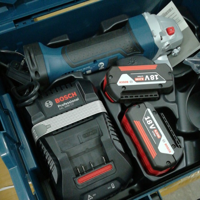 Bosch Cordless Angle Grinder With 18V 6.0AH Starter Kit And Box