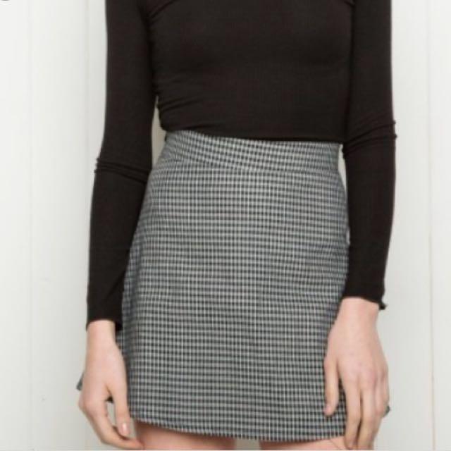 95a7d7b42932 Brandy Melville Plaid Skirt