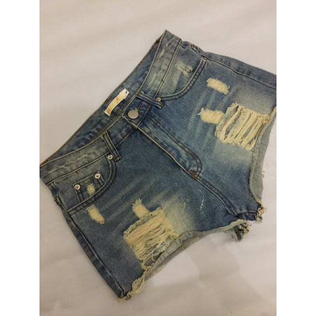 Celan jeans pendek size 30