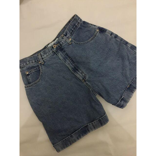 Celana jeans pendek size 30