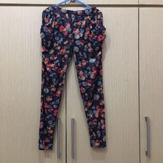 Celana panjang motif