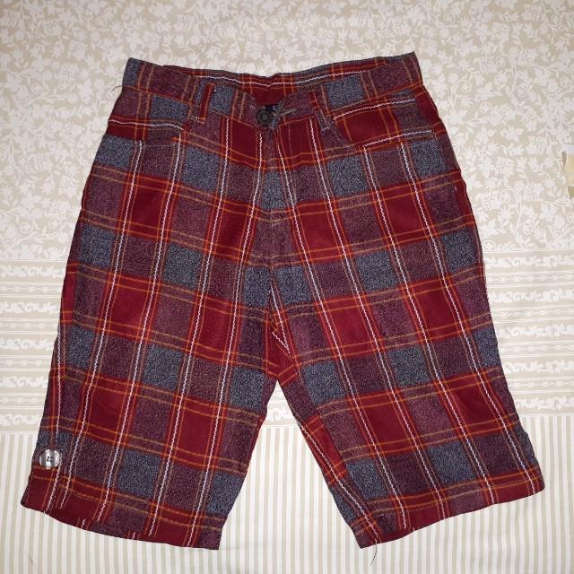 DKNY short pants