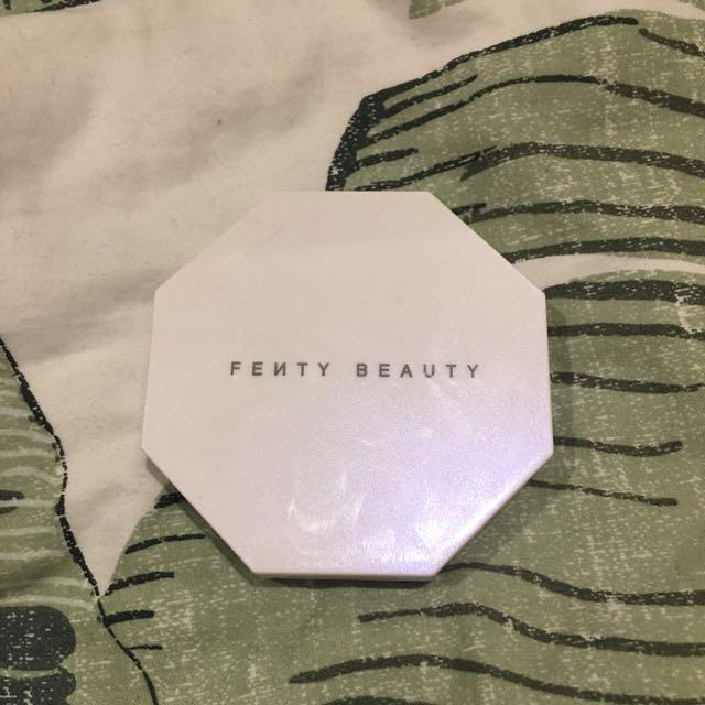 Fenty Beauty Highlighter Duo girl next door/chic freak