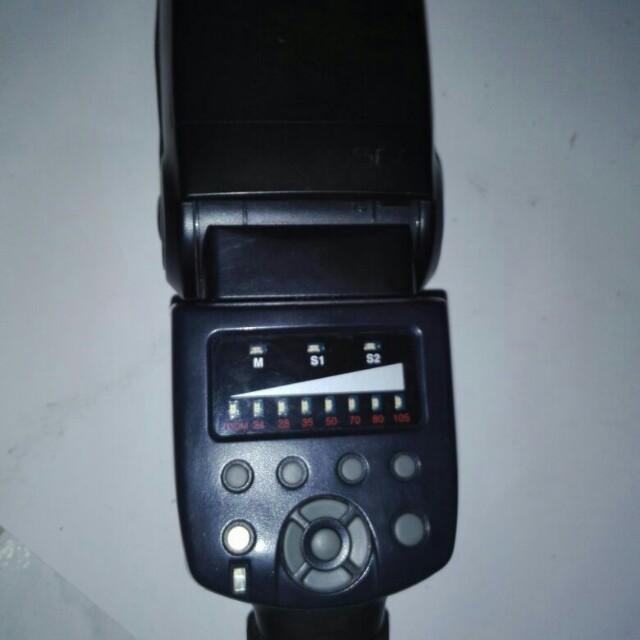 Flash merk Yongnuo YN 560