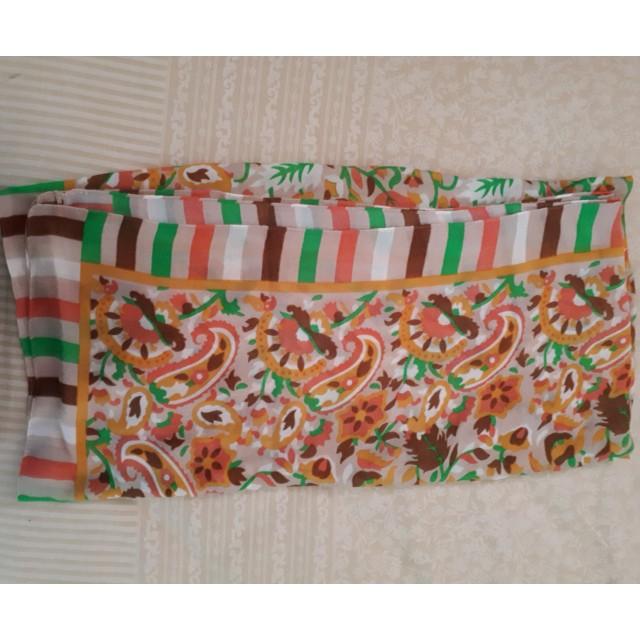 Jilbab segi4 motif kembang