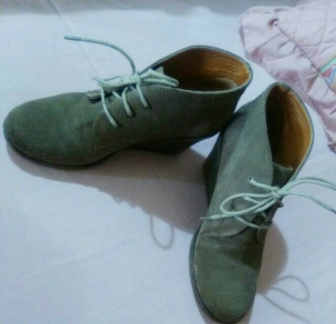 Lace-up Boot Style Shoes (Offers)