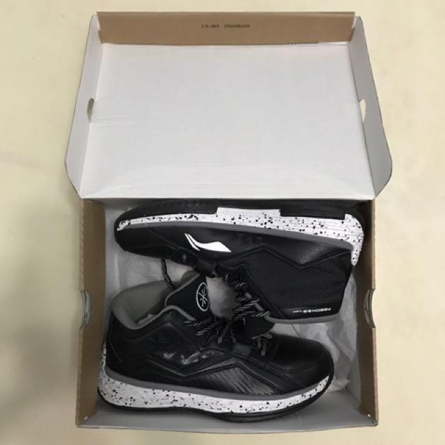 Li ning李寧Wade偉德系列裂變2.5 籃球鞋,9成新。   非Jordan、Nike、Adidas