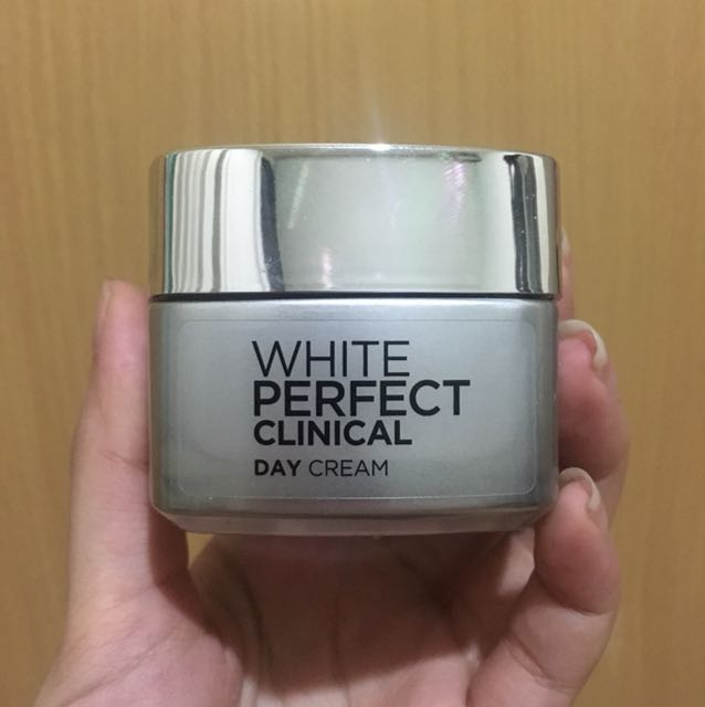 L'Oreal Paris White Perfect Day Cream SPF 19