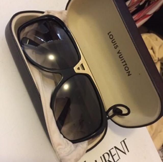 Louis Vuitton Evidence glasses