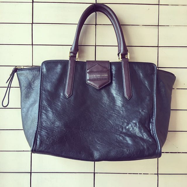 MARC BY MARC JACOBS SOFT LEATHER LARGE HANDBAG
