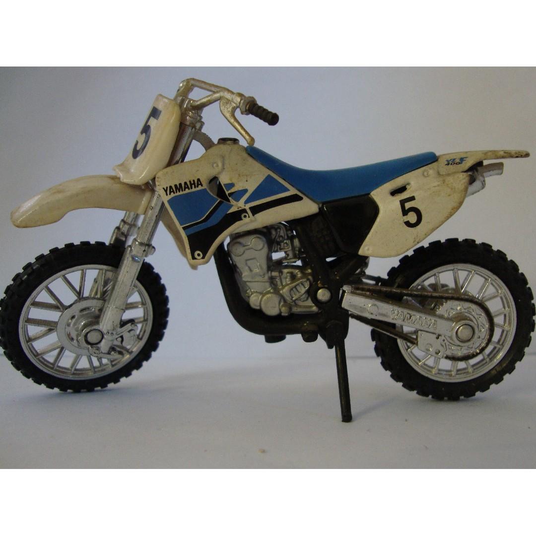 Miniatur Motorbike Yamaha White