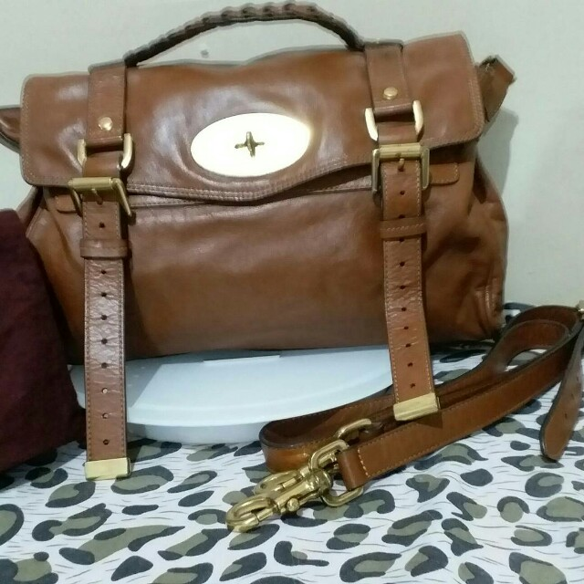 Mulberry Alexa Mini bag, Women s Fashion, Bags   Wallets on Carousell f80bc47635