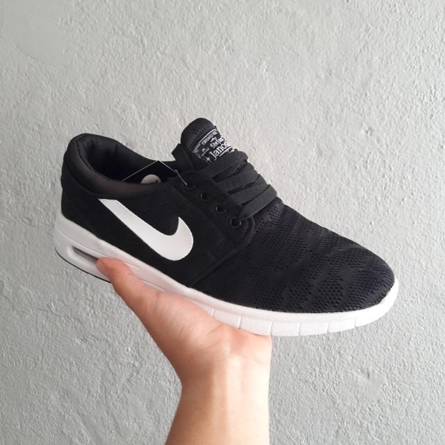 low cost b71e5 0f528 Nike SB Stefan Janoski, Men s Fashion, Footwear, Slippers   Sandals on  Carousell