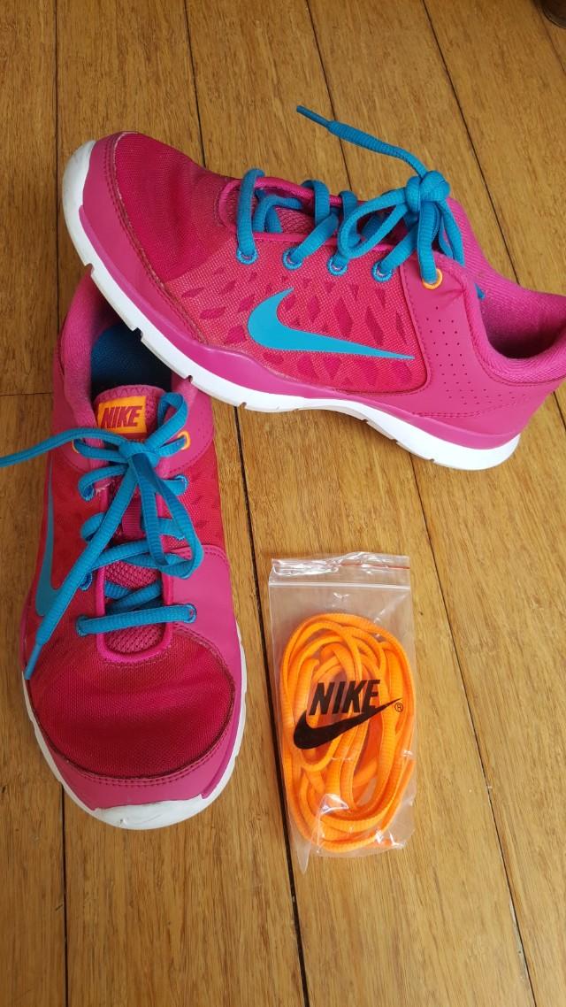 Nike shoes size 7us