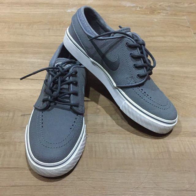 Nike Stefan Janoski Skateboarding Shoes