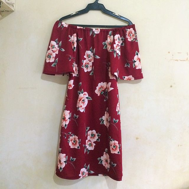 Off shoulder casual dress