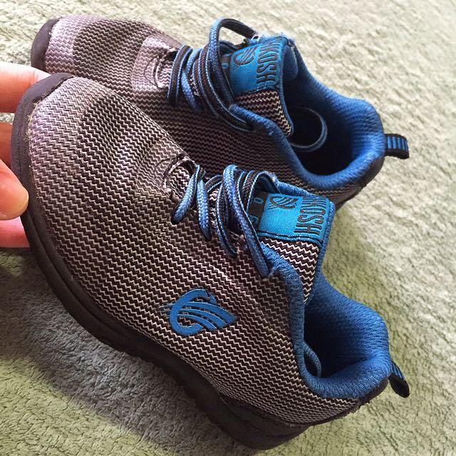 Oshkosh Rubber Shoes size 8 US kids