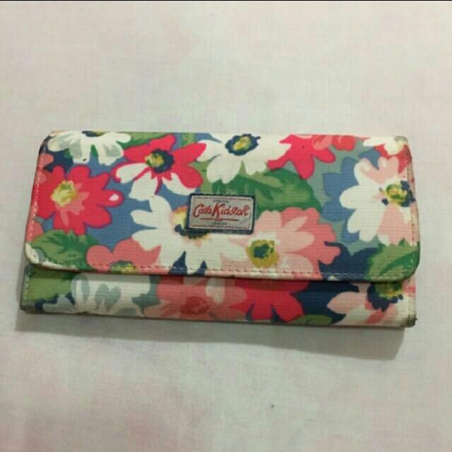 Preloved wallet cath kidston