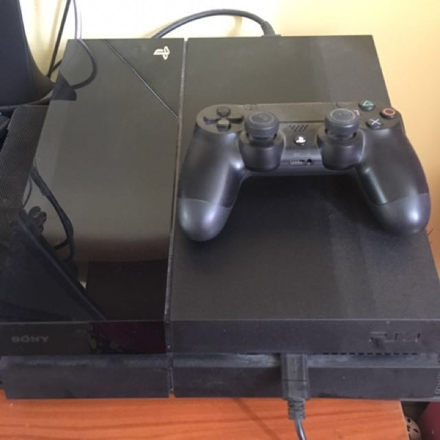 2006A B01 Jet Black UNCHARTED 4 Reg. Source · SONY Playstation 4 .