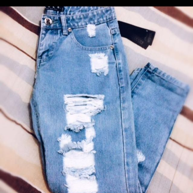 (REPRICE) RIPPED JEANS