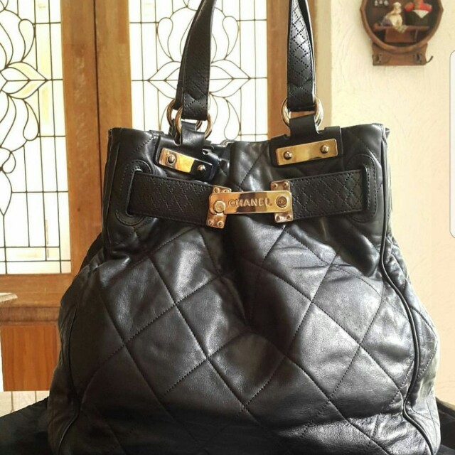 Repriced!!! Excellent condition Chanel shoulder bag