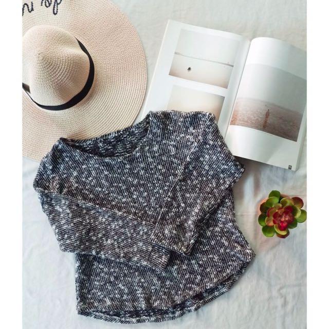 Semi Crop Sweater