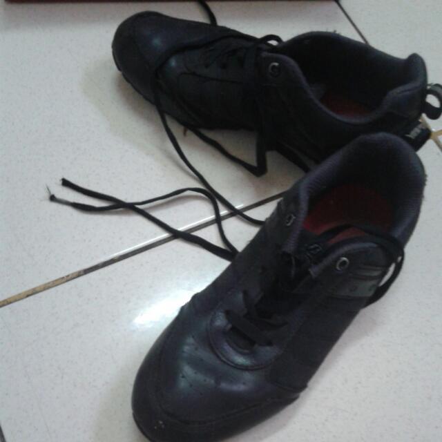 sepatu sekolah anak bata uk 37