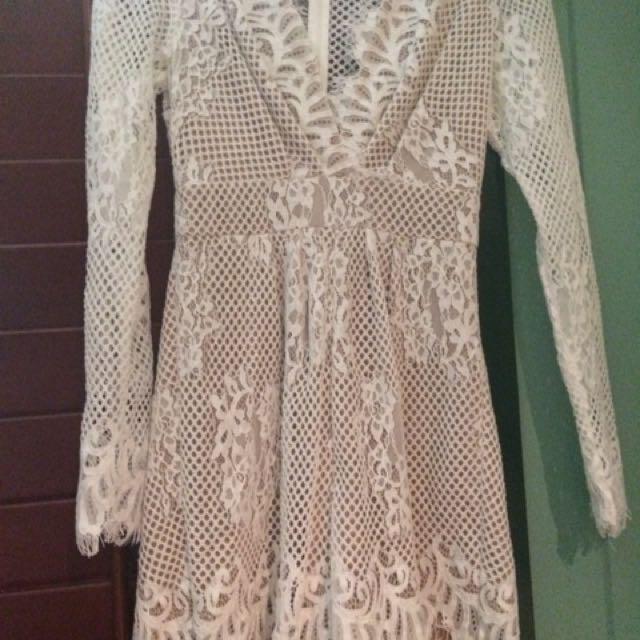 shieke size 6 lace skin coloured lining jumpsuit