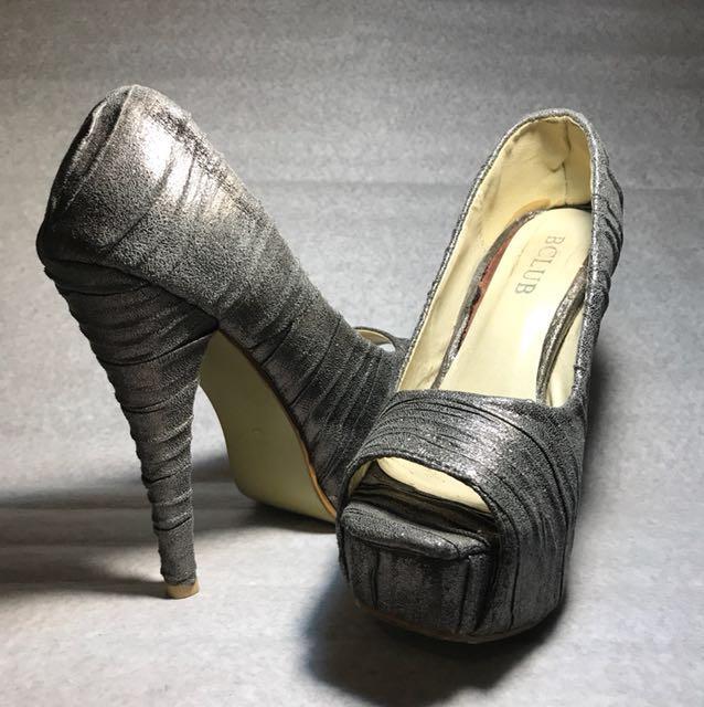 2379ffce984 Silver Glittery Heels