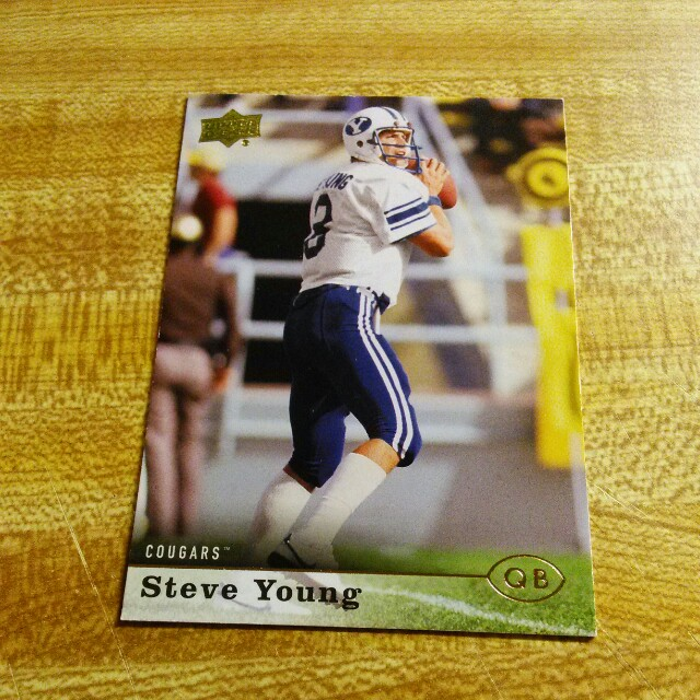 STEVE YOUNG ROOKIE FOOTBALL CARD