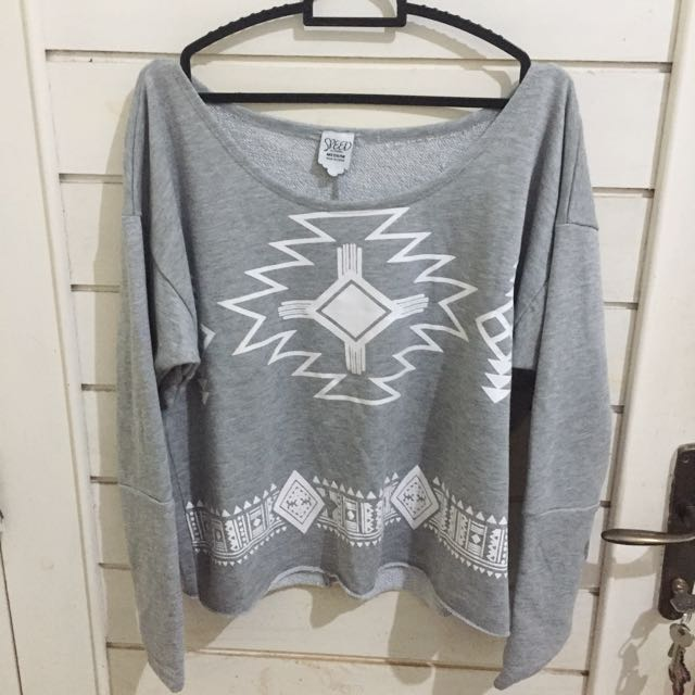 Sweater low neck