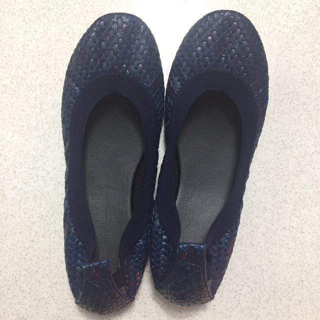 Taryn Shoes - Locally Made and Comfortable