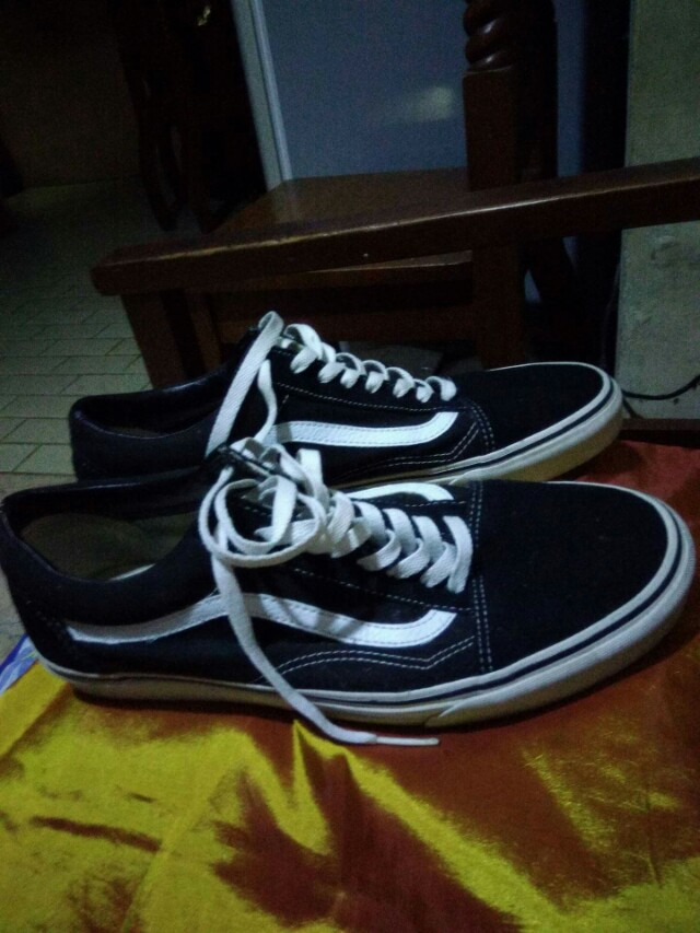 Vans old skul size 12 complete with box