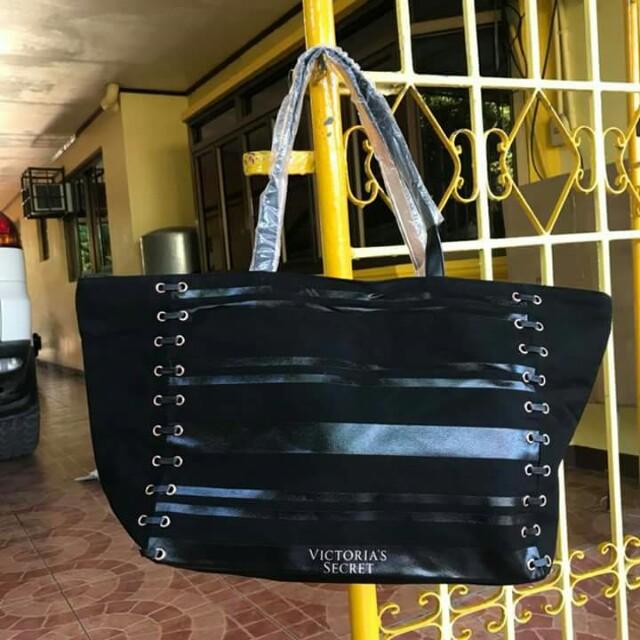 dcf6a5d2b6920 Victoria's Secret XL Tote Bag
