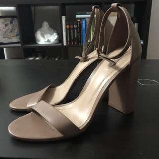 Aldo Heels Size 9